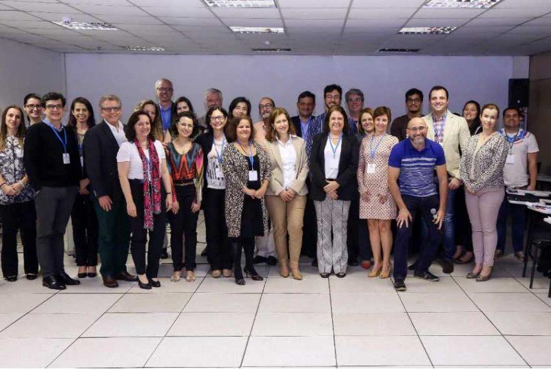 Participantes ao final do Seminário (imagens gentilmente cedidas pela Sindusfarma).
